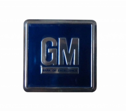 GM Mark of Excellence Metal Plaque